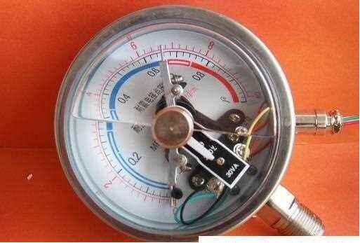 YXC-103BFZ不锈钢耐震电接点压力表